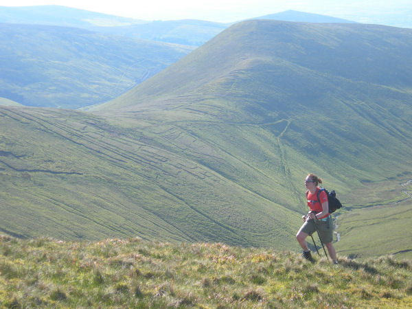 Claire sets a strong pace up Cnoc an Tairbh.